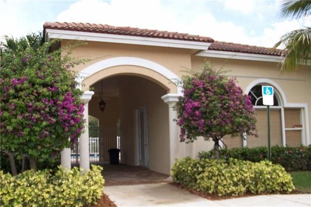 Townhouse - Stuart, FL (photo 1)