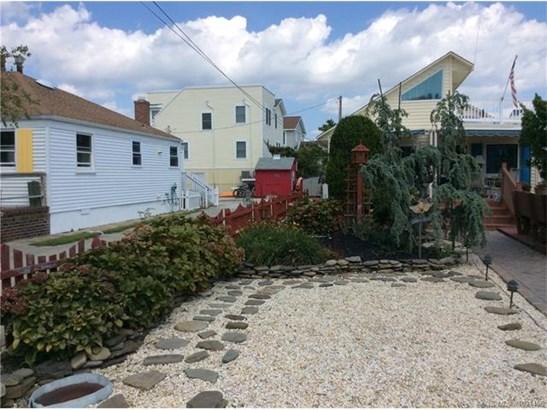 1.5 Story, Single Family - Beach Haven Borough, NJ (photo 4)