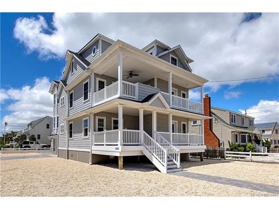 Contemporary,Reversed Living, Single Family - Long Beach Twp, NJ (photo 1)
