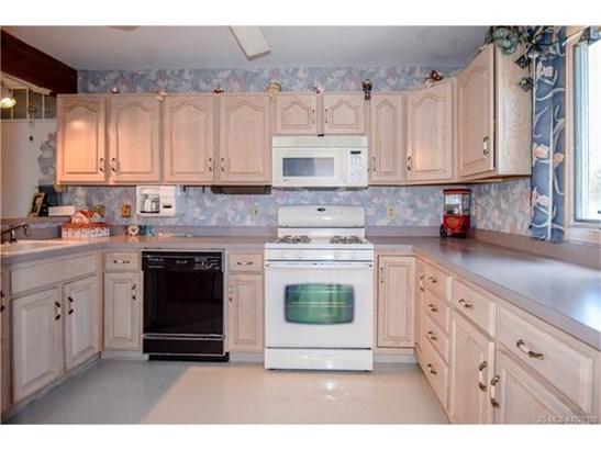 2 Story, Single Family - Stafford Twp, NJ (photo 4)