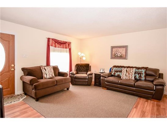 2 Story,Cape Cod, Single Family - Stafford Twp, NJ (photo 4)