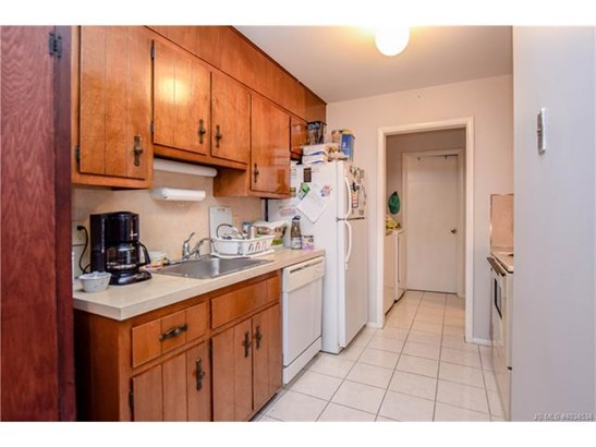 1 Story,Duplex, Single Family - Stafford Twp, NJ (photo 4)