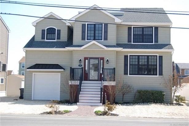 2 Story,Colonial, Single Family - Stafford Twp, NJ