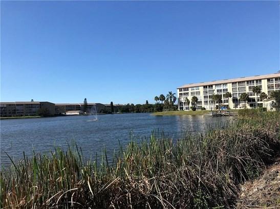 3374 Lake Bayshore Drive P220, Bradenton, FL - USA (photo 1)