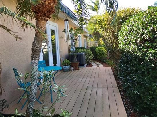 2704 Avenue C, Holmes Beach, FL - USA (photo 2)