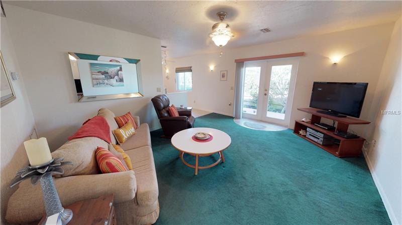 2704 Avenue C, Holmes Beach, FL - USA (photo 3)