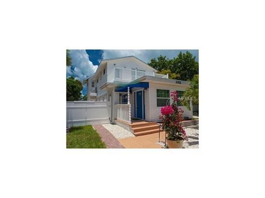 2302 Avenue B, Bradenton Beach, FL - USA (photo 1)
