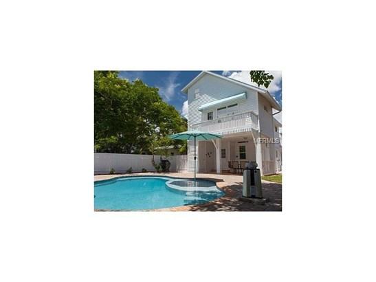 2302 Avenue B, Bradenton Beach, FL - USA (photo 2)
