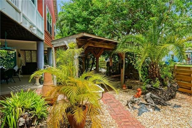 8324 Marina Drive, Holmes Beach, FL - USA (photo 2)