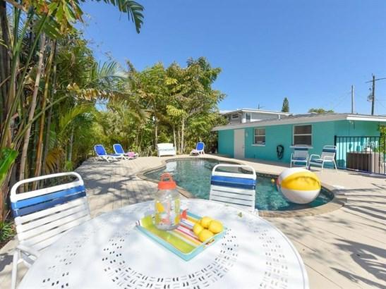 2206 Avenue C, Bradenton Beach, FL - USA (photo 5)