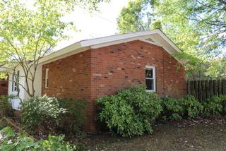 1104 S Lafayette St, Shelby, NC - USA (photo 2)