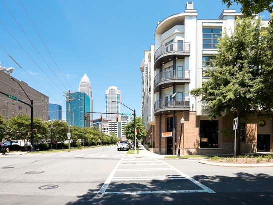 525 E 6th Street, Charlotte, NC - USA (photo 2)
