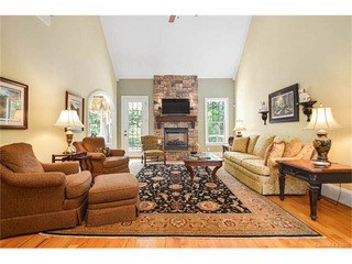 394 Stone Cliff Lane, Lake Wylie, SC - USA (photo 2)
