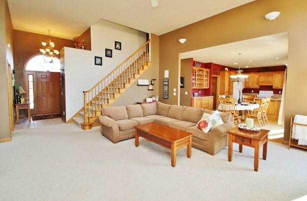 1.5 Story, Residential - WRIGHTSTOWN, WI (photo 2)