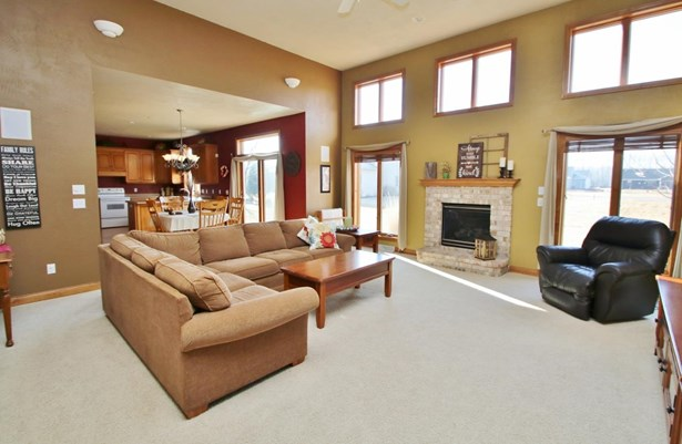1.5 Story, Residential - WRIGHTSTOWN, WI (photo 5)