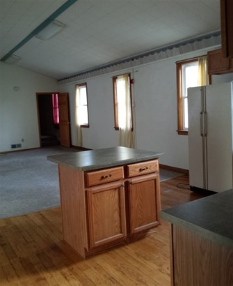 1 Story, Residential - GILLETT, WI (photo 3)