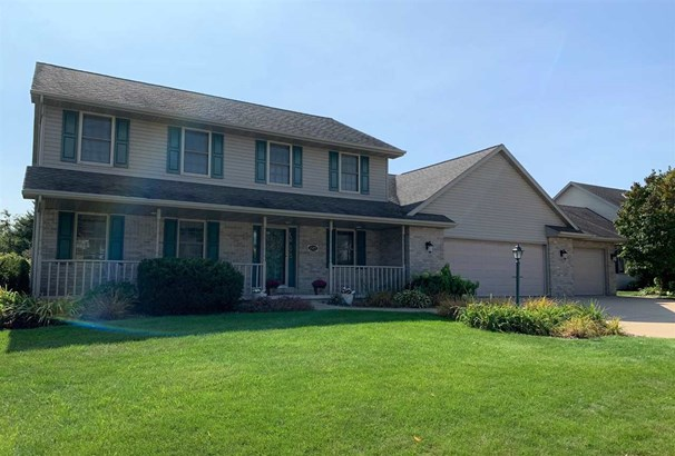 Colonial, 2 Story - Green Bay, WI