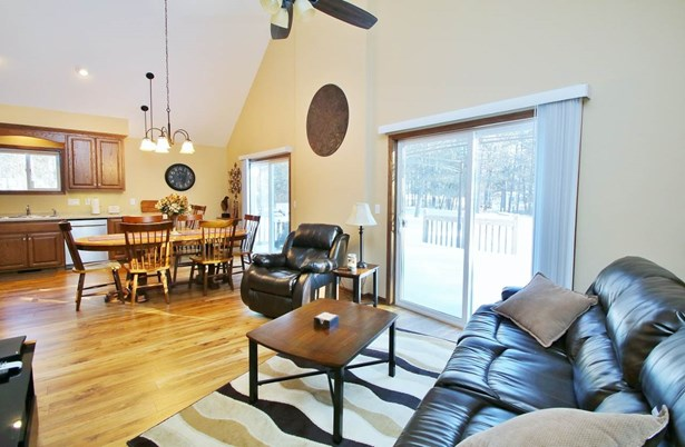 1.5 Story, Residential - ATHELSTANE, WI (photo 2)
