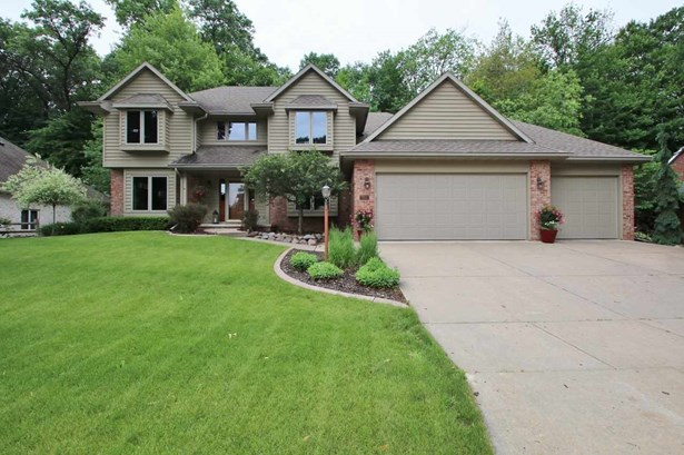 Transitional, 2 Story - Green Bay, WI (photo 1)
