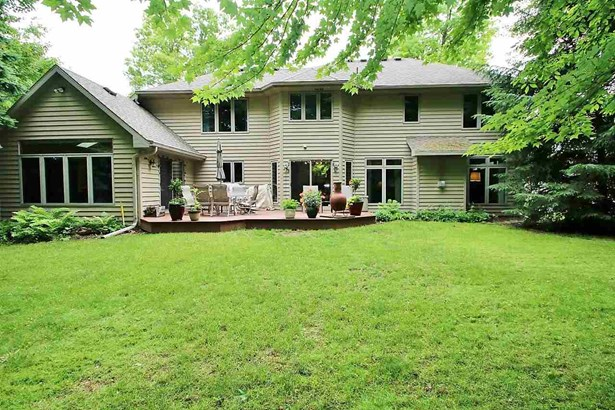 Transitional, 2 Story - Green Bay, WI (photo 2)
