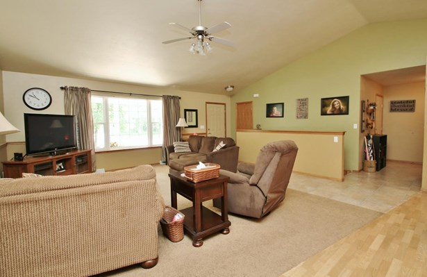 1 Story, Residential - WRIGHTSTOWN, WI (photo 3)