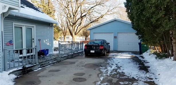 Duplex (2 Unit), 2 Story - GREEN BAY, WI (photo 5)