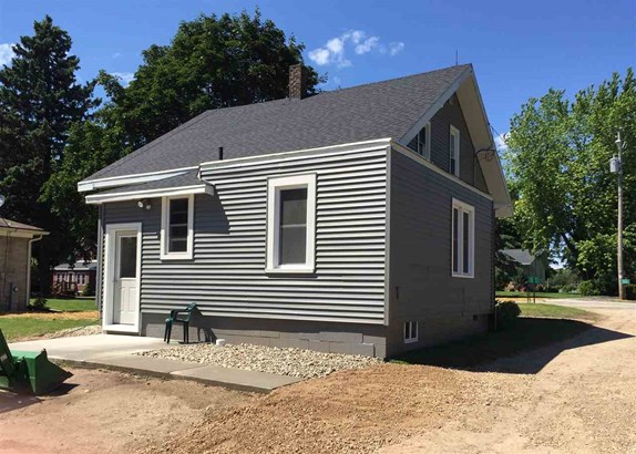 Residential, 2 Story - BRUSSELS, WI (photo 2)