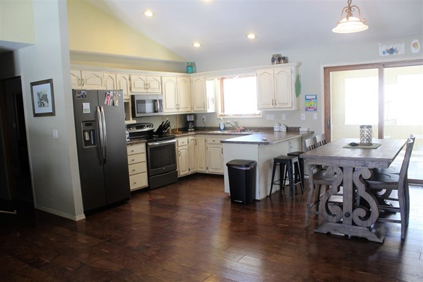 1 Story, Ranch - Suamico, WI (photo 3)