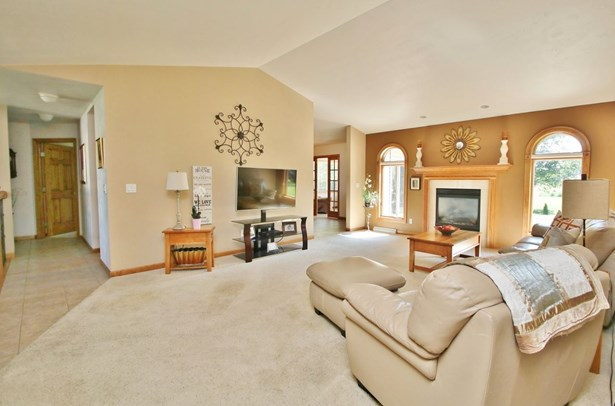 1 Story, Residential - DE PERE, WI (photo 5)