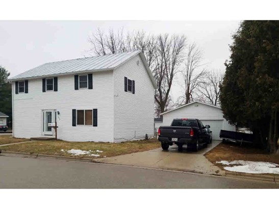 Residential, 2 Story - OCONTO, WI (photo 1)