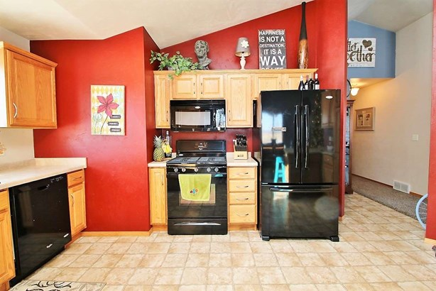 1 Story, Residential - WRIGHTSTOWN, WI (photo 4)