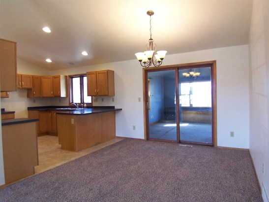 1 Story, Residential - NEW FRANKEN, WI (photo 4)