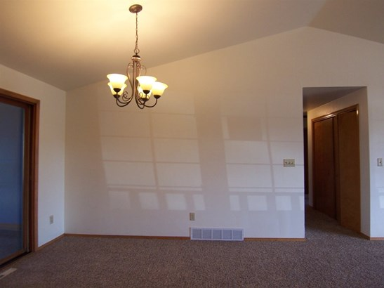 1 Story, Residential - NEW FRANKEN, WI (photo 5)