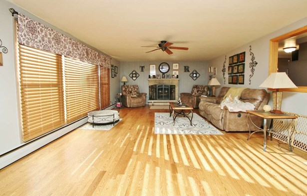 1 Story, Residential - GREEN BAY, WI (photo 3)