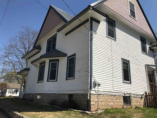Residential, 2 Story - SEYMOUR, WI (photo 2)
