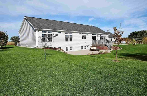 1 Story, Residential - LITTLE SUAMICO, WI (photo 2)