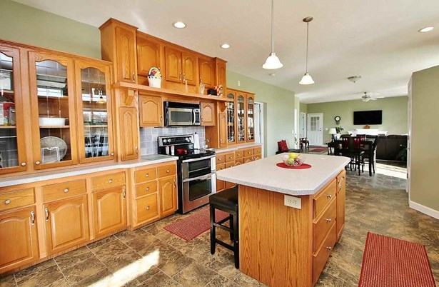 1 Story, Residential - LITTLE SUAMICO, WI (photo 5)