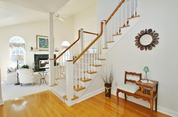 Residential, 2 Story - ONEIDA, WI (photo 2)