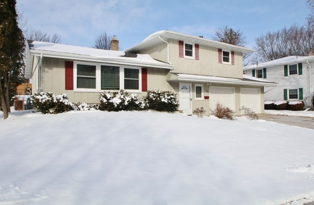 Tri-Level, Residential - GREEN BAY, WI (photo 1)