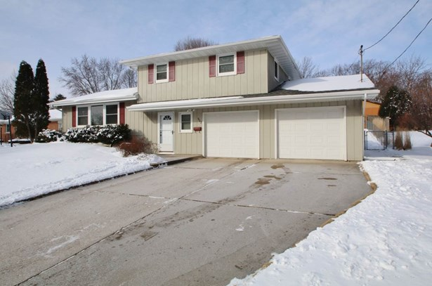 Tri-Level, Residential - GREEN BAY, WI (photo 2)