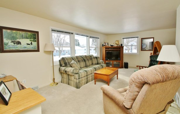 Tri-Level, Residential - GREEN BAY, WI (photo 5)