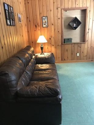 1 Story, Ranch - Crivitz, WI (photo 4)