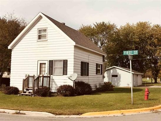 1.5 Story, Residential - PULASKI, WI (photo 1)