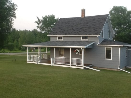 1.5 Story, Residential - GILLETT, WI (photo 1)