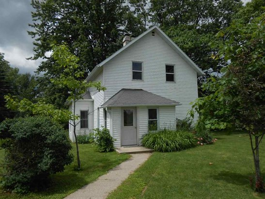 1.5 Story, Residential - CECIL, WI (photo 1)