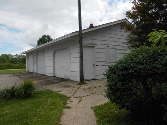 1.5 Story, Residential - CECIL, WI (photo 5)