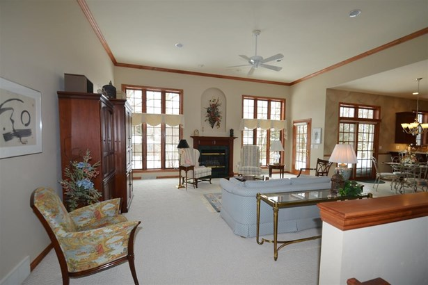 1 Story, Ranch - Suamico, WI (photo 5)