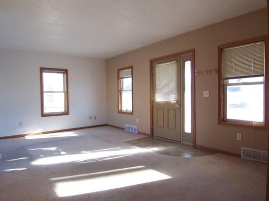 1 Story, Residential - APPLETON, WI (photo 2)