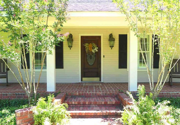 Ranch,Traditional, Detached - Brandon, MS (photo 2)