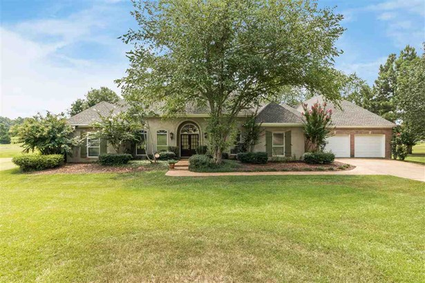 Residential w/Acreage, Traditional - Flora, MS